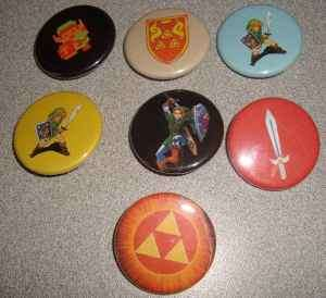 LOT 7 LEGEND OF ZELDA LINK BUTTONS PINS PINBACKS BADGES