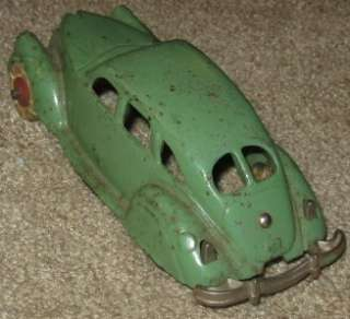 AWESOME ANTIQUE CAST IRON HUBLEY USA #2242 CAR