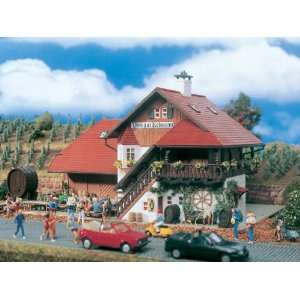 WINERY   VOLLMER HO SCALE MODEL TRAIN BUILDINGS 3686: Toys