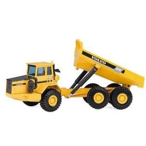 1/50 Volvo A35C Articulated Dump Truck: Toys & Games