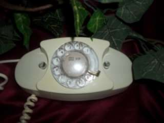VINTAGE BELL SYSTEMS PRINCESS ROTARY DIAL TELEPHONE 702B WESTERN