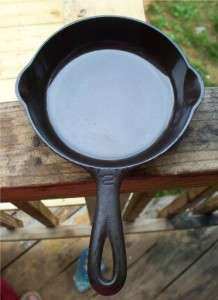 Griswold Block #2 6 Cast Iron Skillet w no cover lid