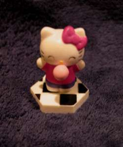 TOMY HELLO KITTY FIGURE BLOWING BUBBLE GUM NEW