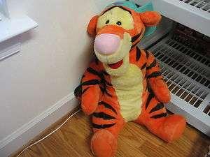 21 jumbo plush talking Tigger doll, from Winnie the Pooh, works great
