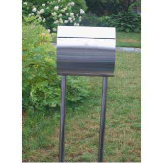 European Home Curb Appeal Mailbox with the standCAS