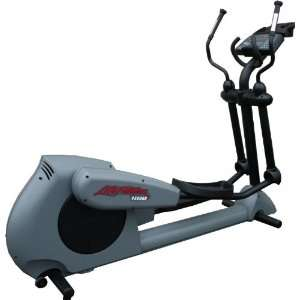 Life Fitness CT9500HRR Commercial Cross Trainer / Elliptical