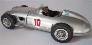 CMC 118 CMC MERCEDES BENZ W196 #10 FANGIO BOXED