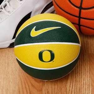 Nike Oregon Ducks 10 Mini Basketball: Sports & Outdoors