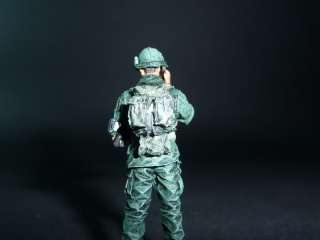 Bravo 6 US Infantry Officer RTO VietNam 68   2 figures 135 Pro Built