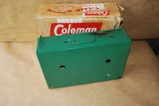 VINTAGE COLEMAN 2 BURNER CAMP STOVE MODEL 425B WITH ITS BOX