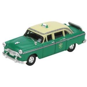 HO RTR Checker A8 Taxi, Green Toys & Games