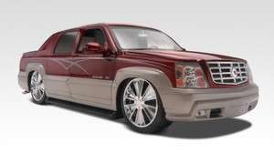 REVELL UPTOWN CADILLAC ESCALADE EXT 1/24 MODEL KIT 852092