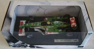 18 Hot Wheels Mark Webber Jaguar R5 F1 Race Car