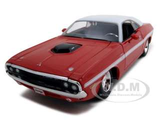 1970 DODGE CHALLENGER R/T COUPE RED 124 DIECAST MODEL