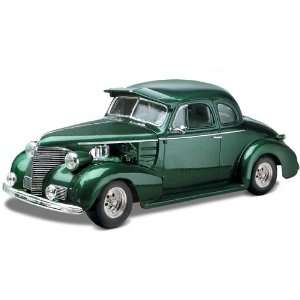 Revell 1:24 39 Chevy Coupe Street Rod: Toys & Games