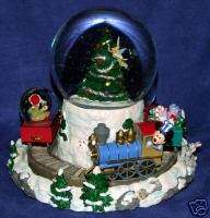 Disney Mickey & Friends Christmas Train Snowglobe New