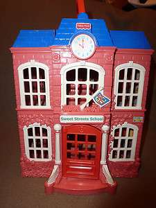 SWEET STREETS SCHOOL DOLL HOUSE PINK BUILDING W/ CLOCK CARRYING CASE w